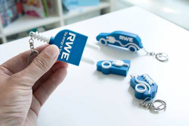 Interesting USB sticks design for RWE